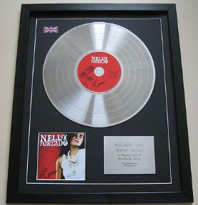 NELLY FURTADO - Loose CD / PLATINUM LP DISC